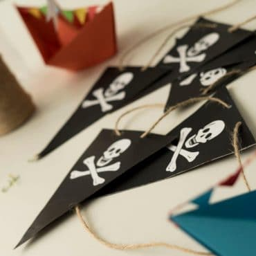 Piratengeburtstag Piratengirlande Wimpelkette Totenkopf