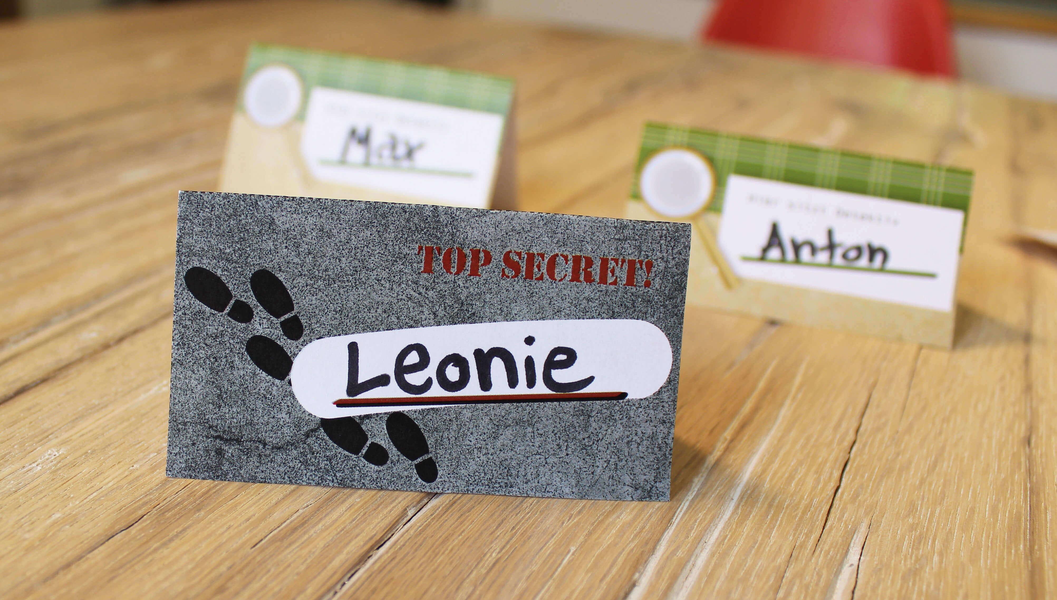Detektiv-Kindergeburtstag-Namensschild-ausgeschnitten