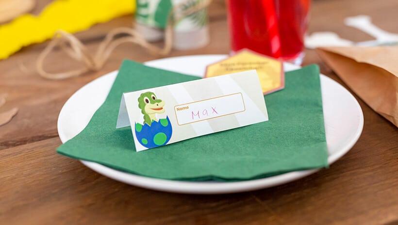 Dino-Kindergeburtstag-Bastelvorlage-Namensschilder