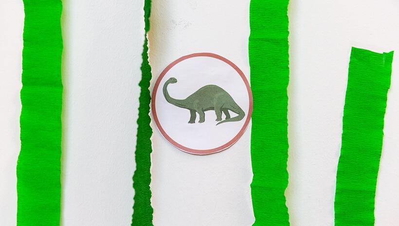 Dino-Kindergeburtstag-Forscherbuch-Hinweis-verstecken
