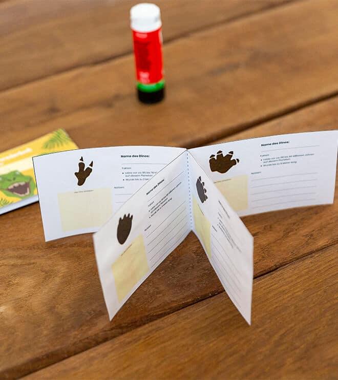 Dino-Kindergeburtstag-Forscherbuch-Shop07