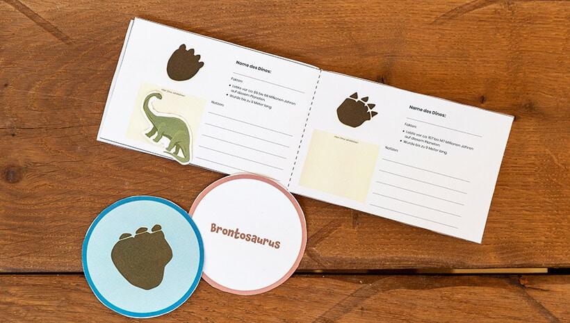 Dino-Kindergeburtstag-Forscherbuch-ausfüllen