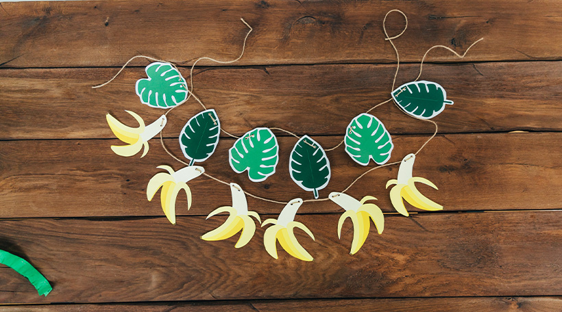 Dschungel-Kindergeburtstag-Girlande-Motiv-Blatt-Banane
