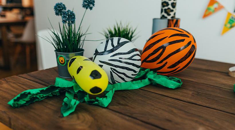 Dschungel-Kindergeburtstag-Schatzsuche-Luftballon-Dekoration-Tiere-Muster