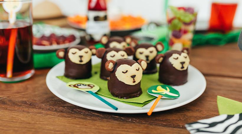 Dschungel-Kindergeburtstag-Snackideen-Geburtstagstisch-Affen