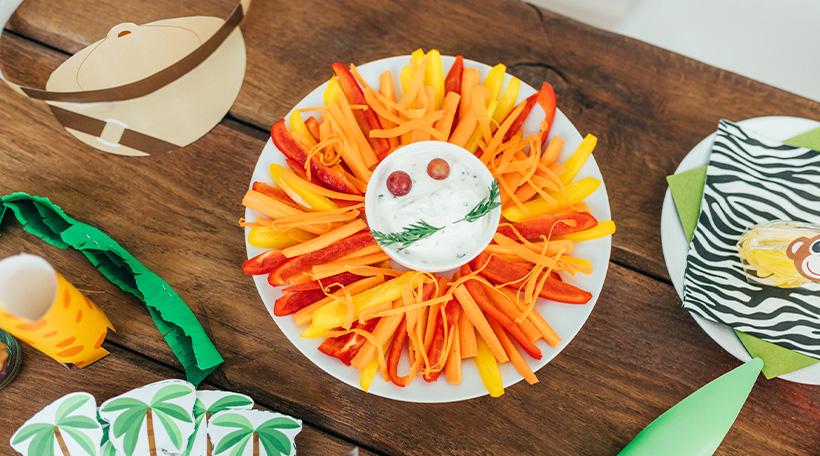 Dschungel-Kindergeburtstag-Snackideen-Geburtstagstisch-Gesund-Loewe-Gemüse
