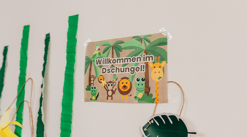 Dschungel-Kindergeburtstag-Willkommensschild-Dekoration-Druckvorlage