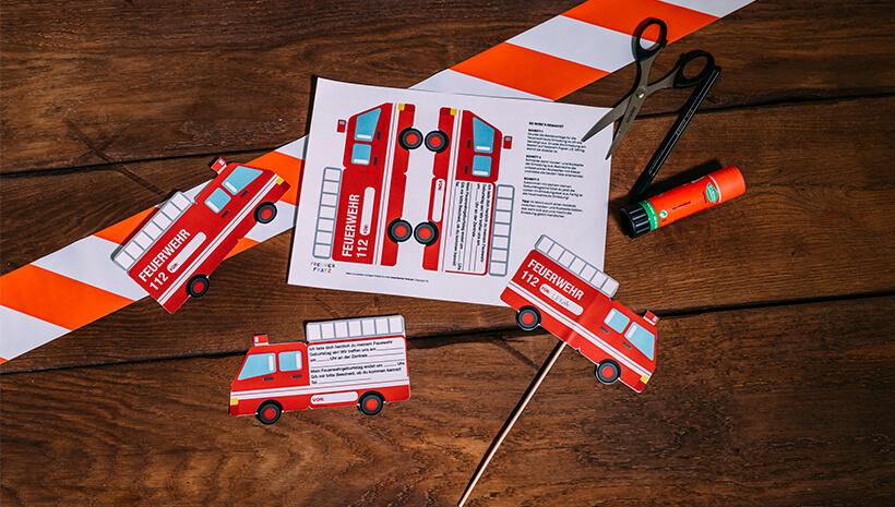 Feuerwehr-Kindergeburtstag-Einladung-Feuerwehrauto