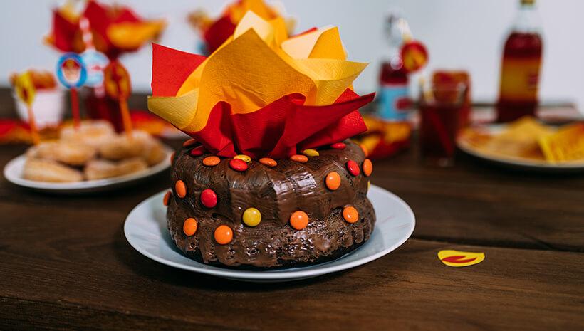 Feuerwehr-Kindergeburtstag-Feuer-Kuchen