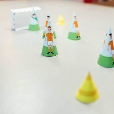Fussball Kindergeburtstag Bastelvorlage Pustespiel