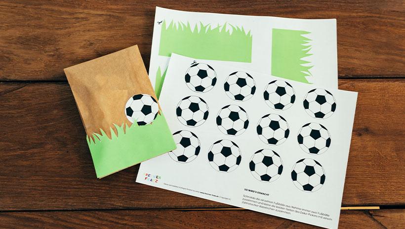 Fussball-Kindergeburtstag-Dankeetiketten-Rasen-Bastelvorlage-Geburtstag