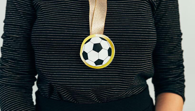 Fussball-Kindergeburtstag-Medaille-Bastelvorlage-Geburtstag