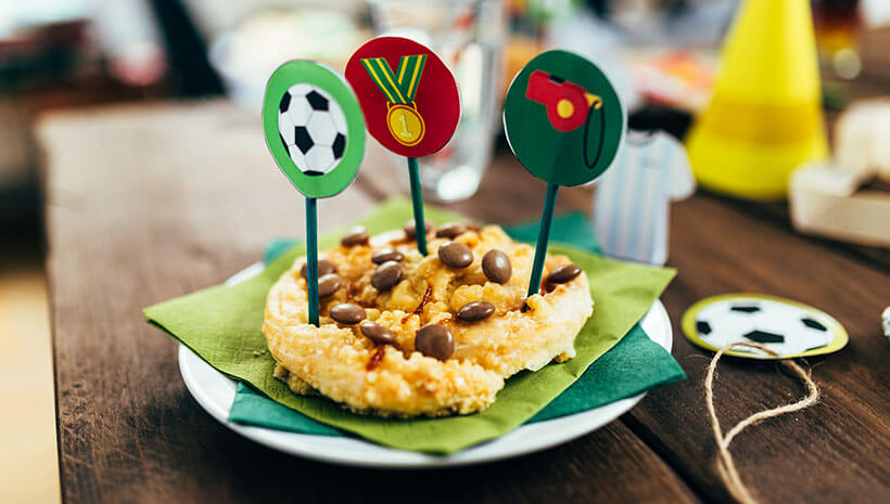 Fussball-Kindergeburtstag-Umschlag-Bastelvorlage-Geburtstag-Tisch3