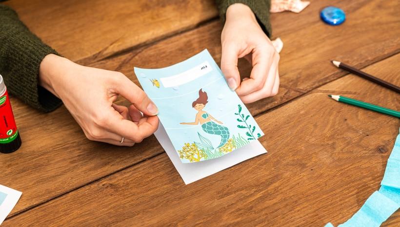 Meerjungfrau-Kindergeburtstag-FaltEinladung-Schritt-3