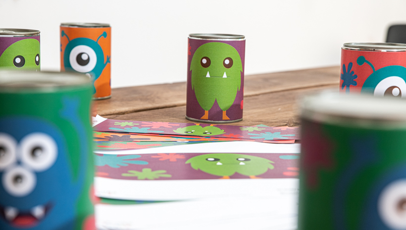 Monster Kindergeburtstag Dosenwerfen Spiel für Mottoparty