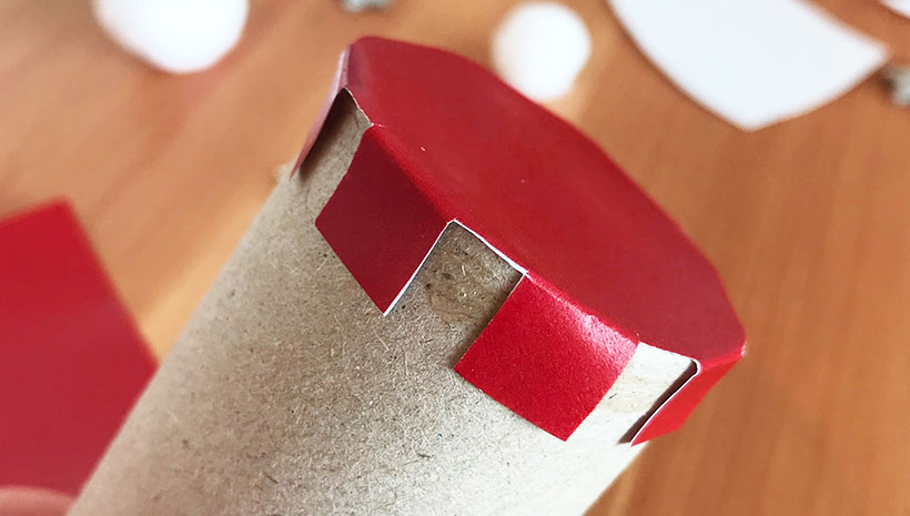 Nikolaus-Schachtel-Boden-aufkleben