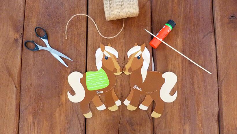 Pferde-Geburtstag-Einladung-Steckenpferd-Vorlage