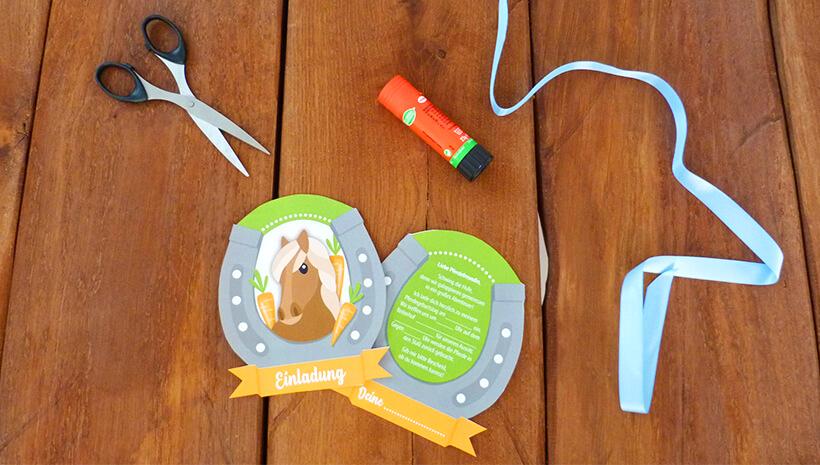 Pferde-Kindergeburtstag-Einladung-Reitabzeichen-basteln