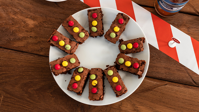 Polizei-Geburtstag-Brownies-Essen-Ampel-Kindergeburtstag-Kinder