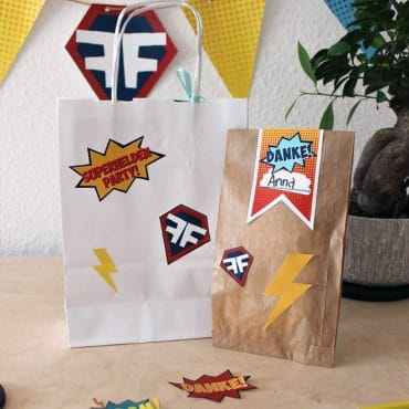 Superhelden-Aufkleber-Mitgebseltüte