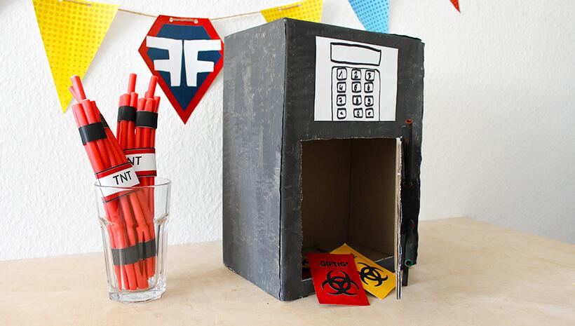 Superhelden-Kindergeburtstag-Brauseaufkleber-Schatzsuche