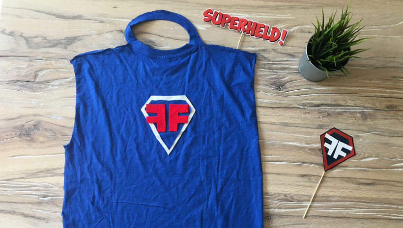 Superhelden-Kindergeburtstag-Cape-basteln-Schritt6