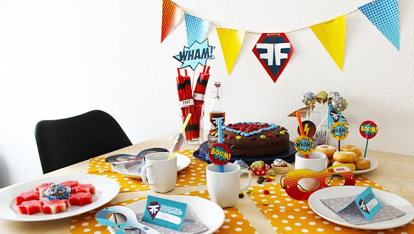 Superhelden-Kindergeburtstag-Geburtstagstisch