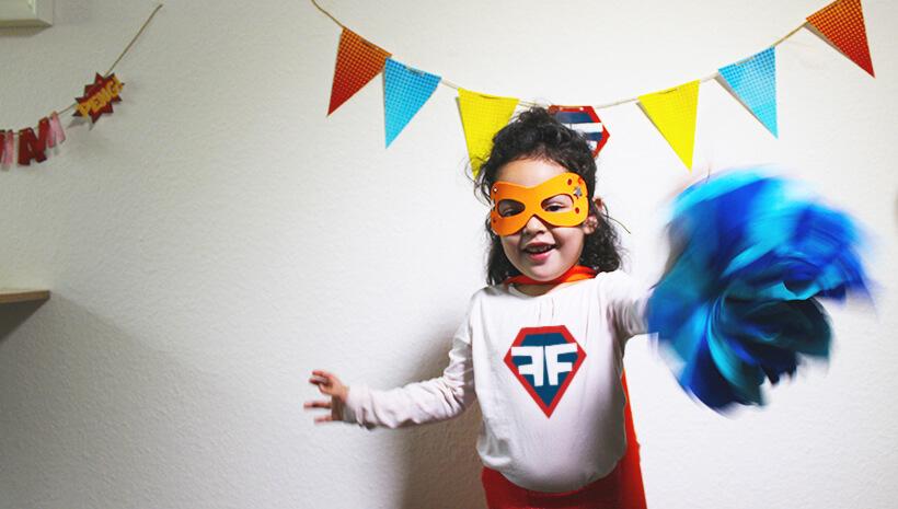 Superhelden-Kindergeburtstag-Kostuem