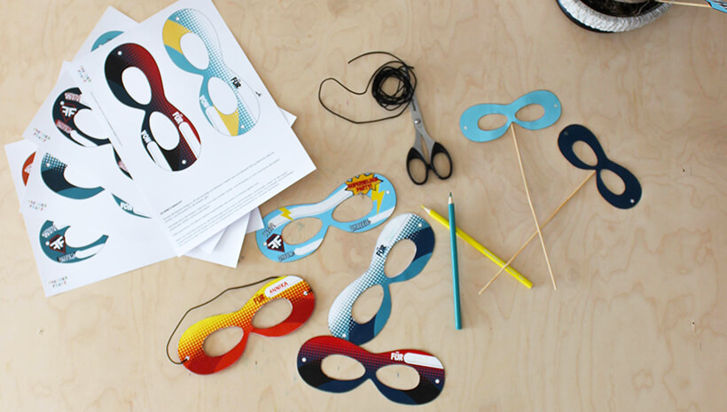 Superhelden-Kindergeburtstag-Masken-Einladungen-basteln