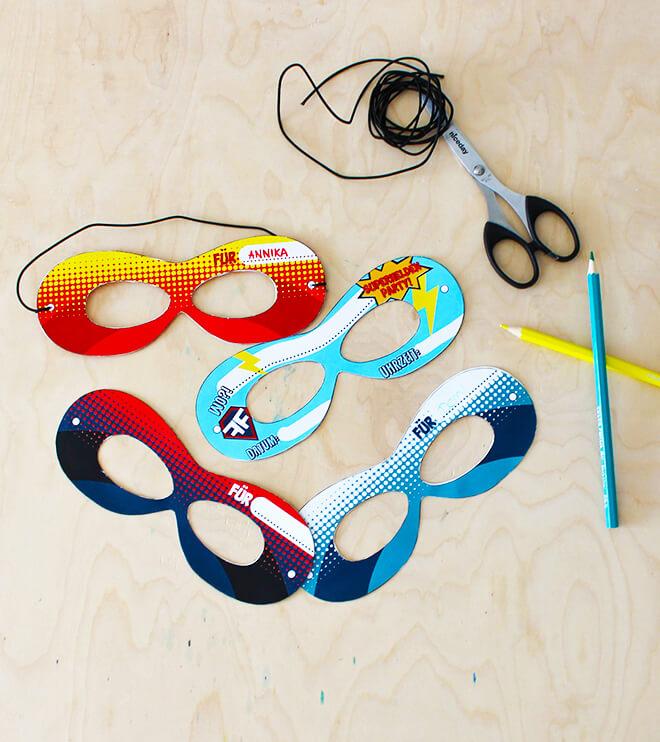 Superhelden-Kindergeburtstag-Maskeneinladung_Shop