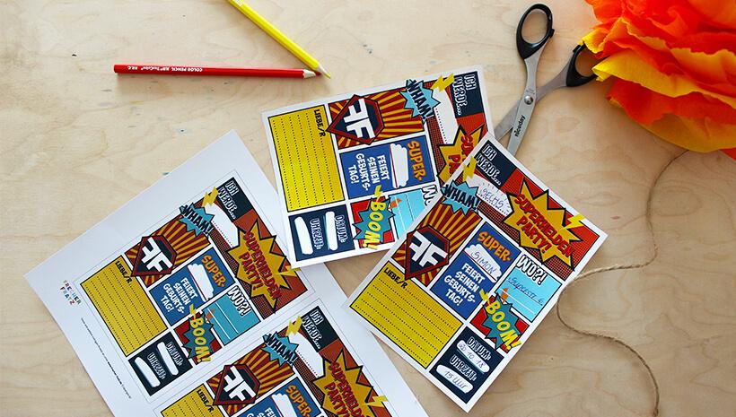 Superhelden-Kindergeburtstag-Postkarten-Einladung